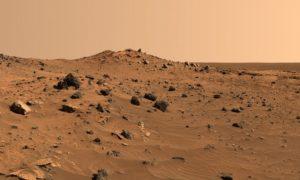 Suolo del pianeta rosso. Foto di: Panorama
